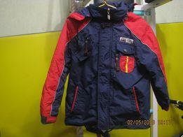 Продам деми куртку на мальчика 6-7 лет