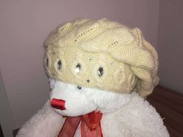 Женская зимняя шапка. Цена 100 руб