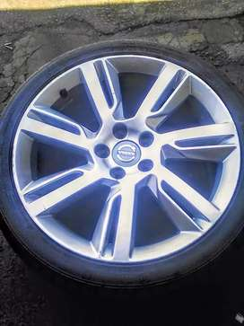 Volvo rims and tyres