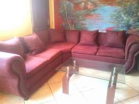 Selling couche very good condition original only R6000