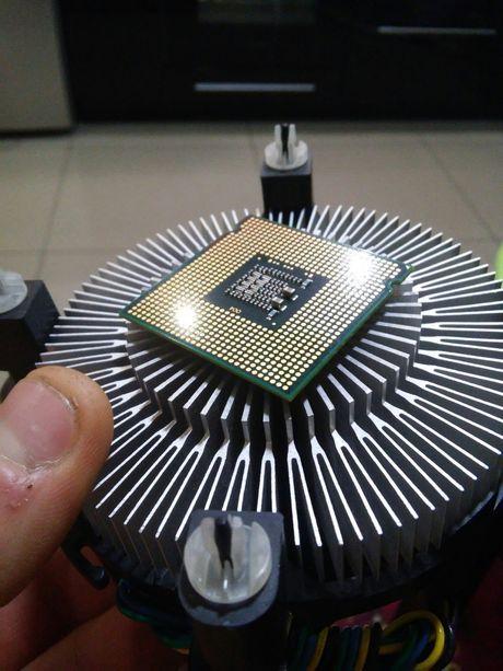 Процессор 2 ядра Intel Pentium (R) Dual-Core CPU E5700 3.0GHz, 3000МГц