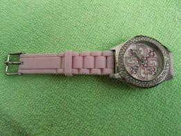 Часы женские GUESS