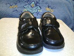Лаковые туфли 24 размер