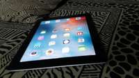 Very clean apple iPad 3 in excellent condition! 0
