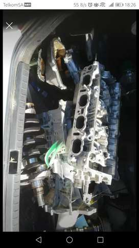 Toyota corrola 2002 engine 1ZZ complete engine stripped