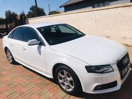Audi A4; 2011, white in good conintion with eather interior