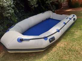 Inflatable boat 3.8 m