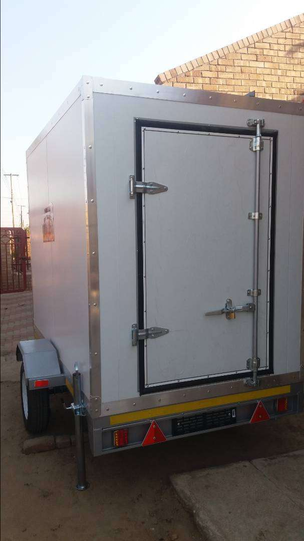 Mobile freezer for hire 0