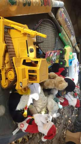 Toy lot R200 for all