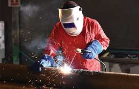 QUALIFIED WELDER WITH TOOLS