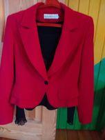 Продаю красивений білоруський костюм