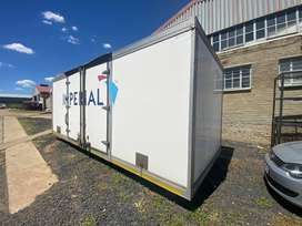 6,5m insulated truck body for sale