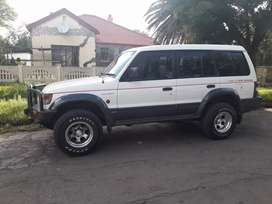 Pajero very good cond lots of extras to swop