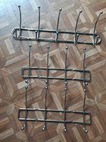 Настенные металлические вешалки