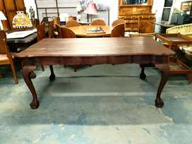 Ball & claw dining table