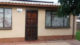 House In Tsakane Available For Rental