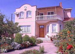 Cдам посуточно дом 10 фонтана Толбухина,есть 4 спальни,гостинная )