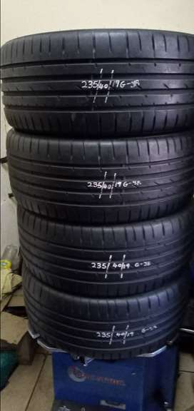 Set of Good Year Normal Tyres 235/40/19 with about 90% threads No plug