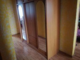 Duża szafa do sypialni czy pokoju z lustrami
