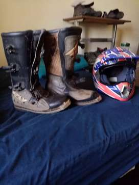 Bike boots size 8 and helmet XL