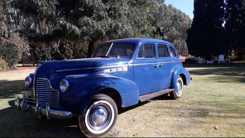 Vintage 1940 Buick Eight Special 0
