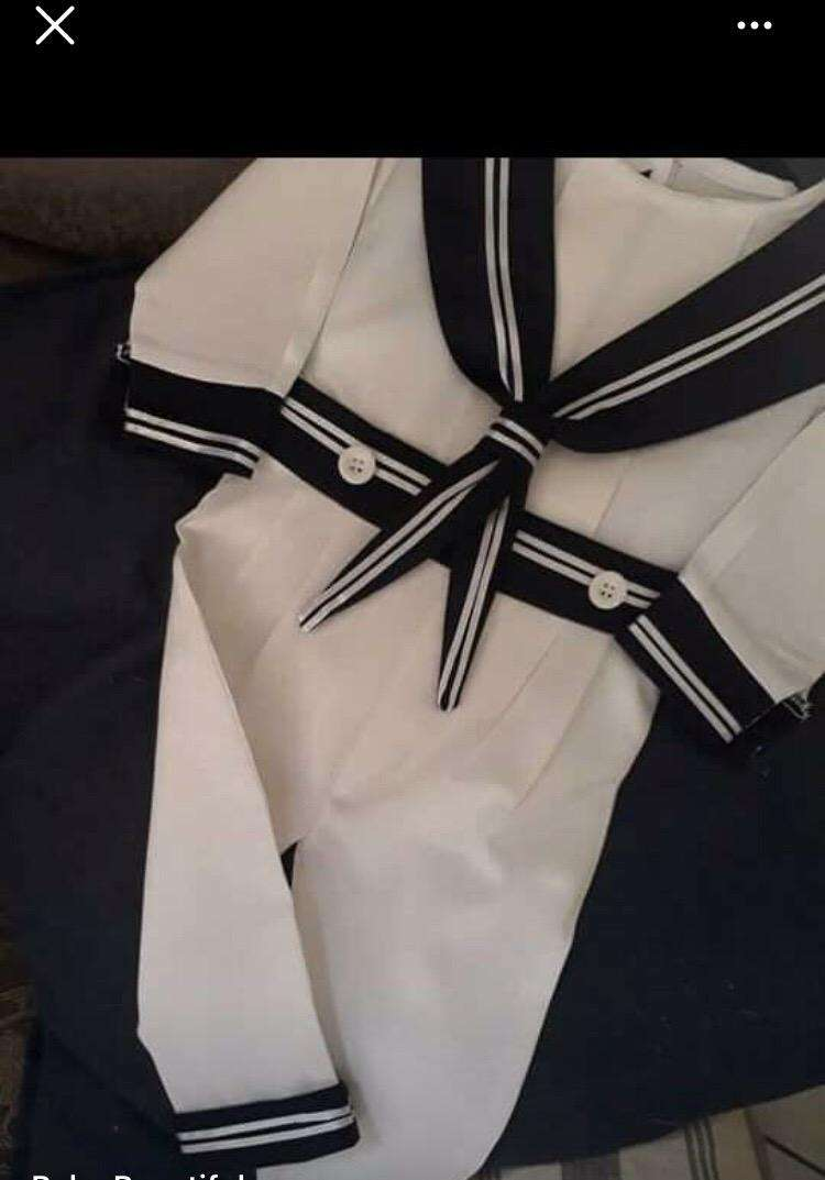 Christening clothes 0