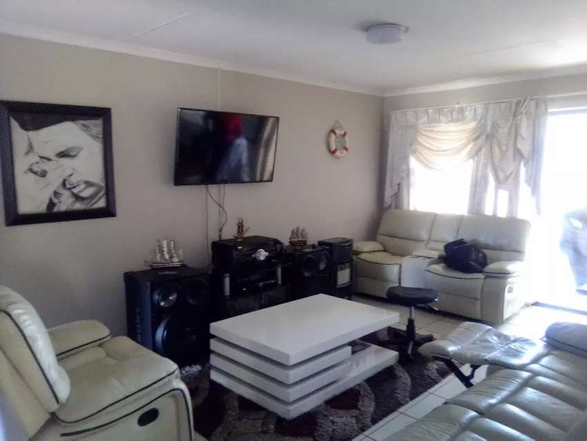 3 bedroom townhouse for sale 0