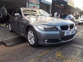 2010 BMW 320i AUTOMATIC, SUNROOF