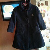 Пальто для девочки очень стильное на 3-4-5 лет