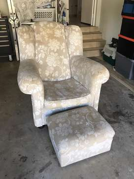 Comfy Mummy Classic Rocking Chair and Ottoman