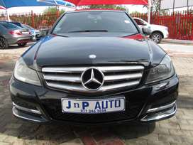 MERCEDES BENZ C180 IN GOOD CONDITIPON FOR SELL