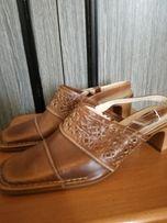 Nowe skórzane buty bez piety