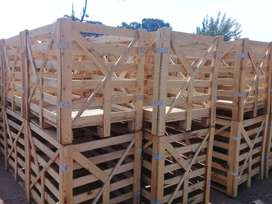 Wooden crate with lids
