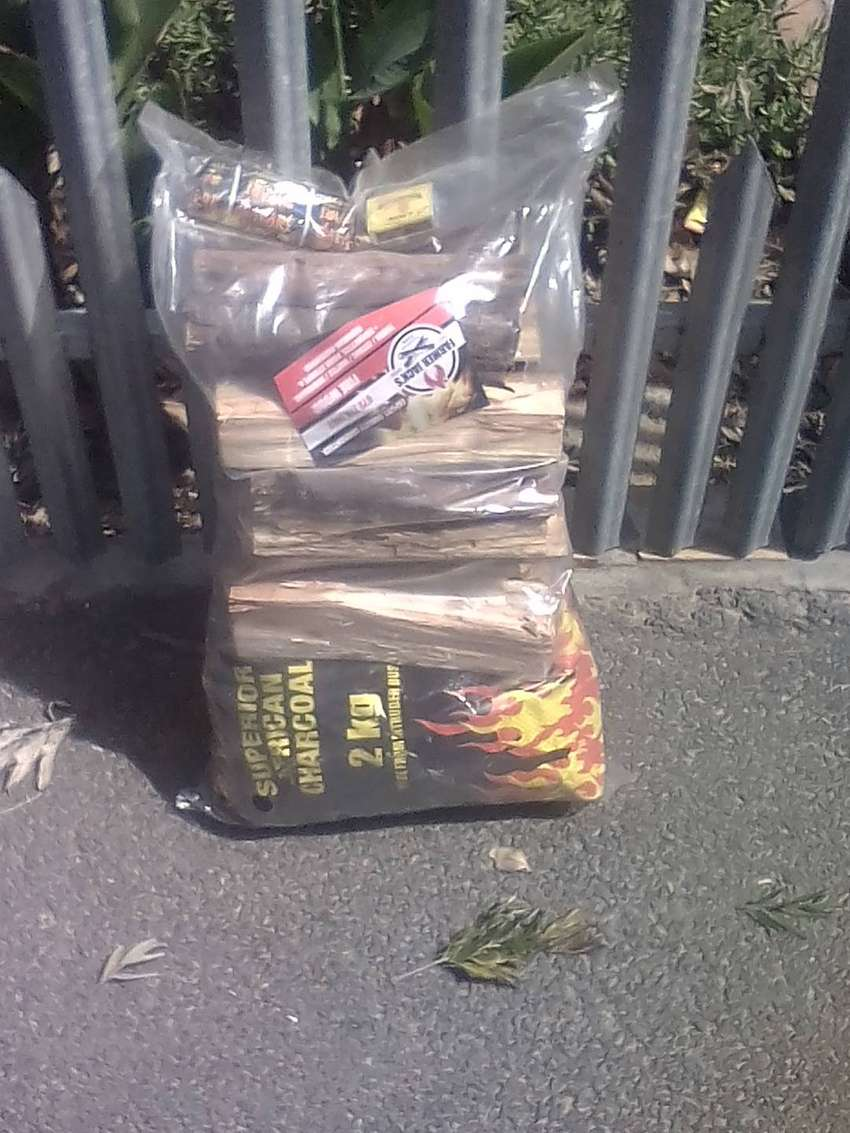PREPACKED RETAIL QUALITY BRAAIWOOD AND CHARCOAL FOR SALE