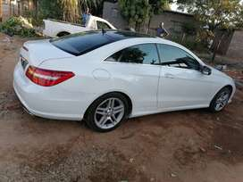 Mercedes-Benz E500 for sale for only R170 000 this is just for free