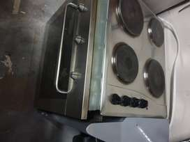 Whirlpool Stove/Oven and Extractor Fan