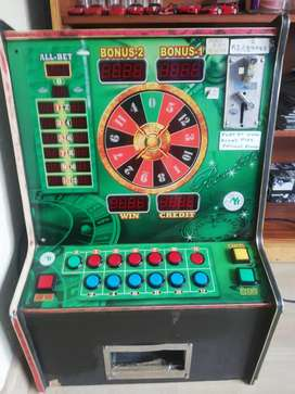 Coin operated roulette machine