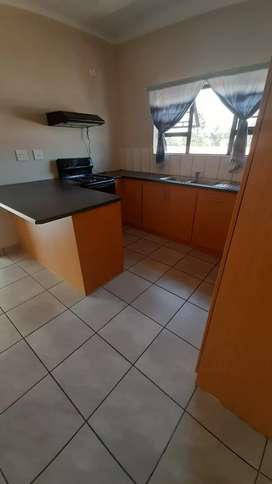 Spacious 2 Bedroom flat to rent! Located very central .