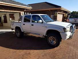 Hilux Kzte V8 4x4 Canopy included