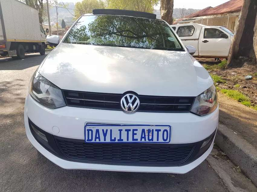 2013 VW Polo 6 1.4 Comfortline with Sunroof and leather seats 0