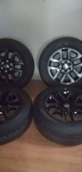 """Stunning set of 18"""" new Toyota Legend RS rims and tyres"""