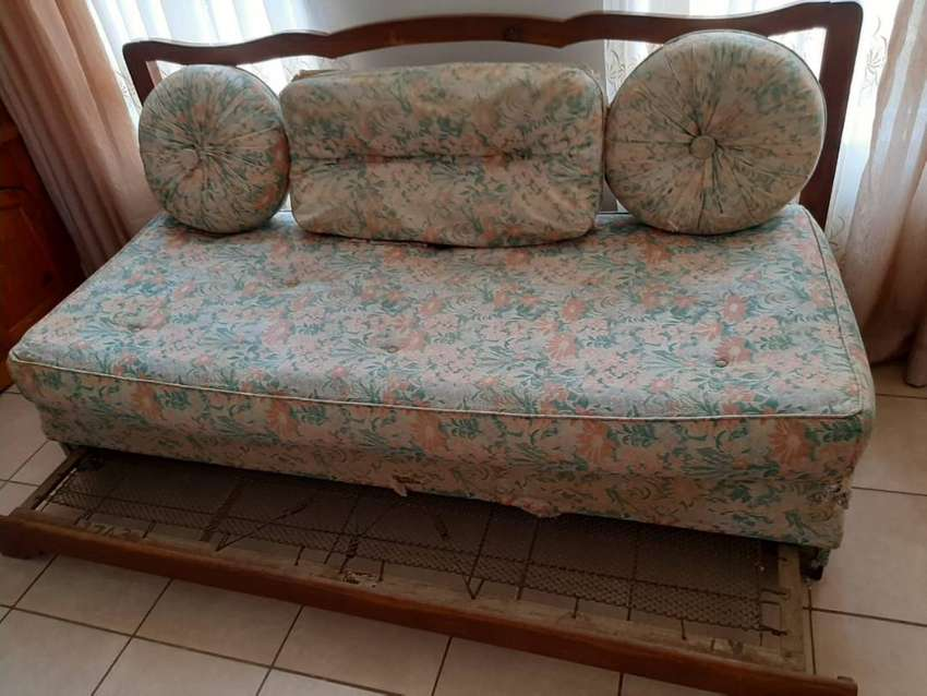 75 Yr Old Antique Kiaat Sleeper 1.9m x 900Couch with original stuffing 0