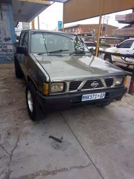Nissan hardbody with vg30 motor and dictator management