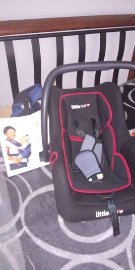 Baby car seat and baby carrier combo