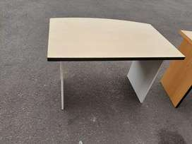 Maple Curve Desk no Drawer