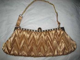 Продам женскую сумочку