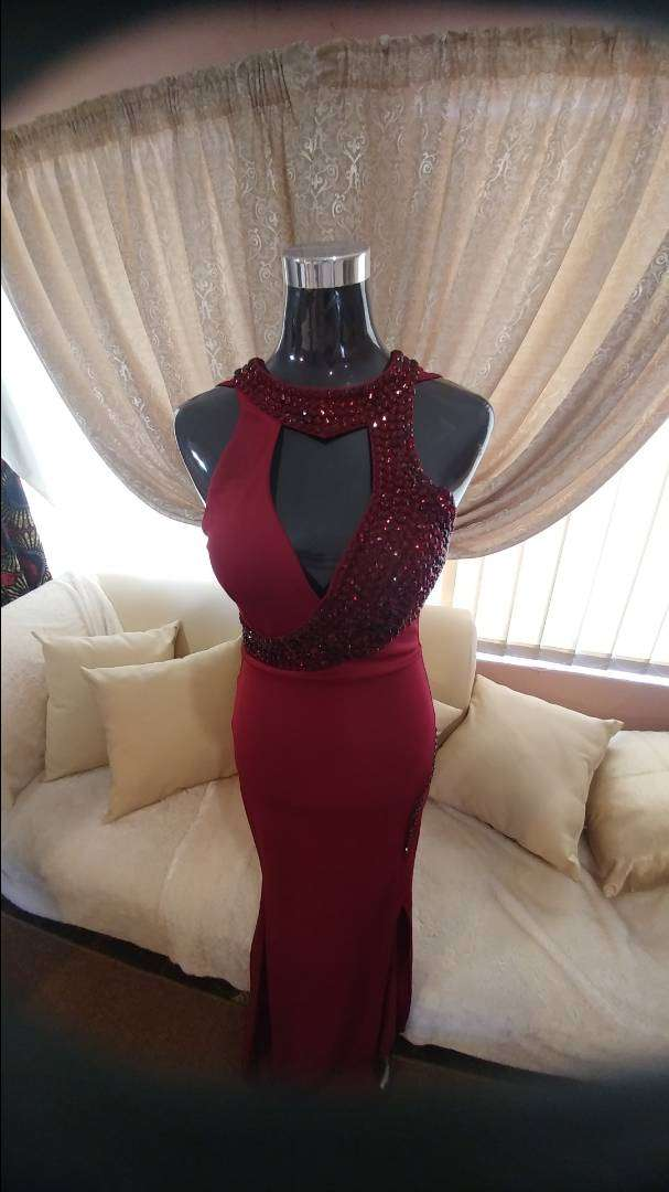 Beautiful evening dresses for sale 0