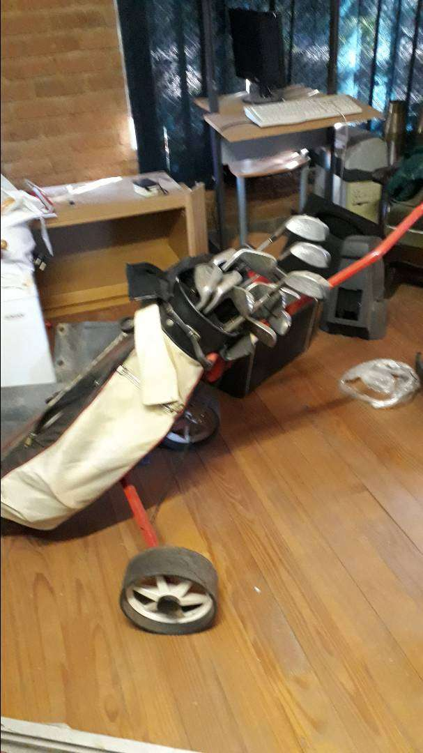 Golf Club Set and cart 0