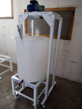 500 litre mixing machine for detergents and sanitizer,