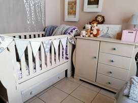 Slay cot and compactum